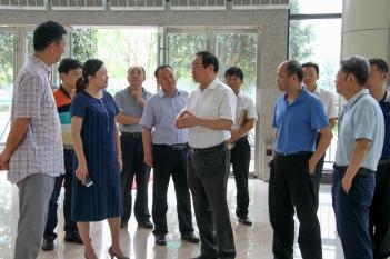 2017年6月20日,院本部邓绍平院长、蔡力副院长、杨正林副院长率队考察中心项目推进情况。
