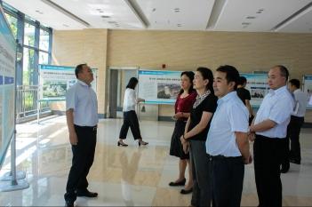 2017年9月7日,成都市政府副秘书长、办公厅主任廖成珍率督导组到中心考察调研。
